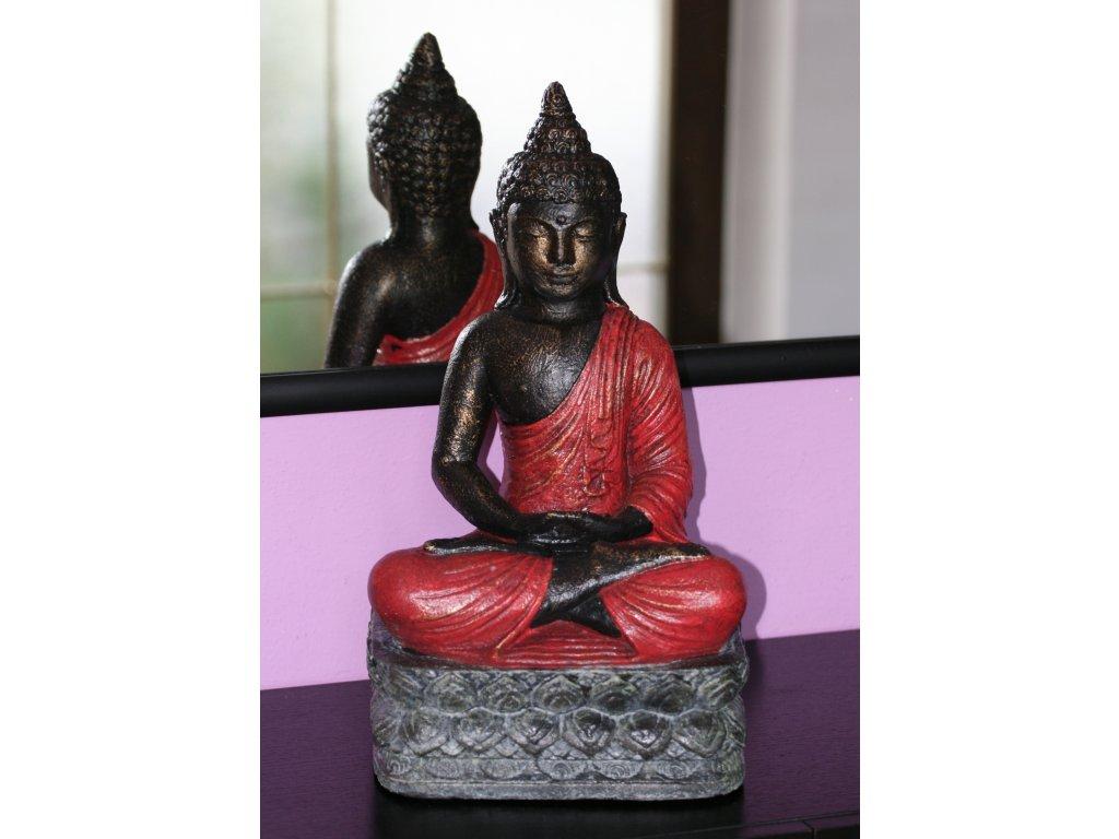 Socha Budha Buddha na lotosovém květu 40cm červené roucho