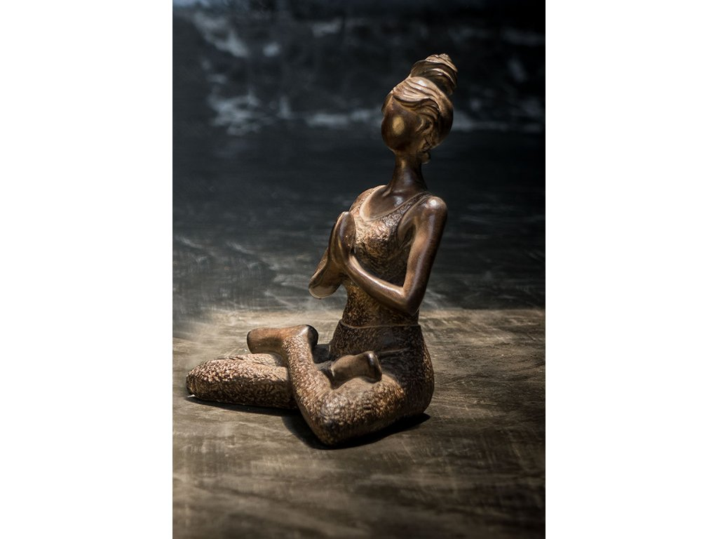 Socha joga lady 24x16,5x13 cm (7) antik