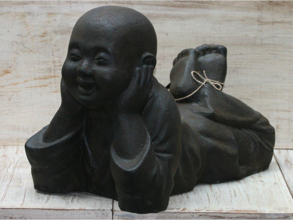 Socha mnich Shaolin monk ležící 50x40x30cm - patina DB
