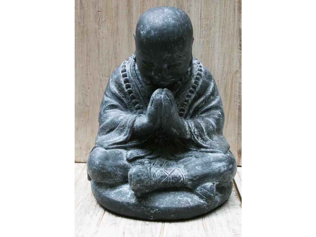Socha mnich Shaolin monk s korálky Mala 30cm patina TA