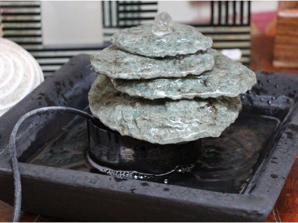 Fontána z říčního kamene 17x30x30cm