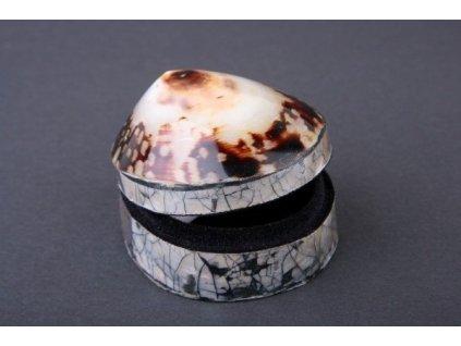Šperkovnice z opracované mušle cca 5x4cm