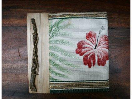 Ručně vyrobené fotoalbum s květinami  19x19 cm, kapacita 20ks na formát 15x10cm