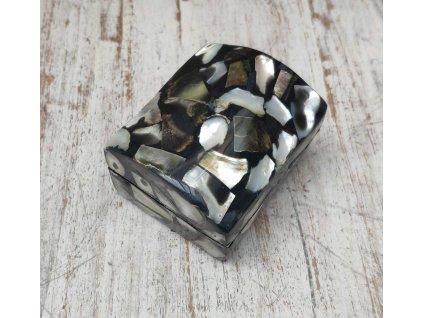 Šperkovnice - truhlička z úlomků perleti a pryskyřice cca 7x6x5cm