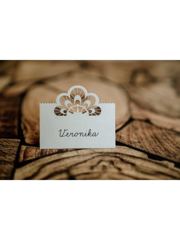 Svadobná menovka vyrezávané kvety 2