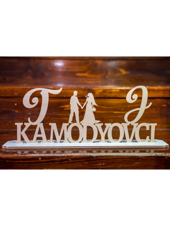 Drevený svadobný podstavec s menami 5