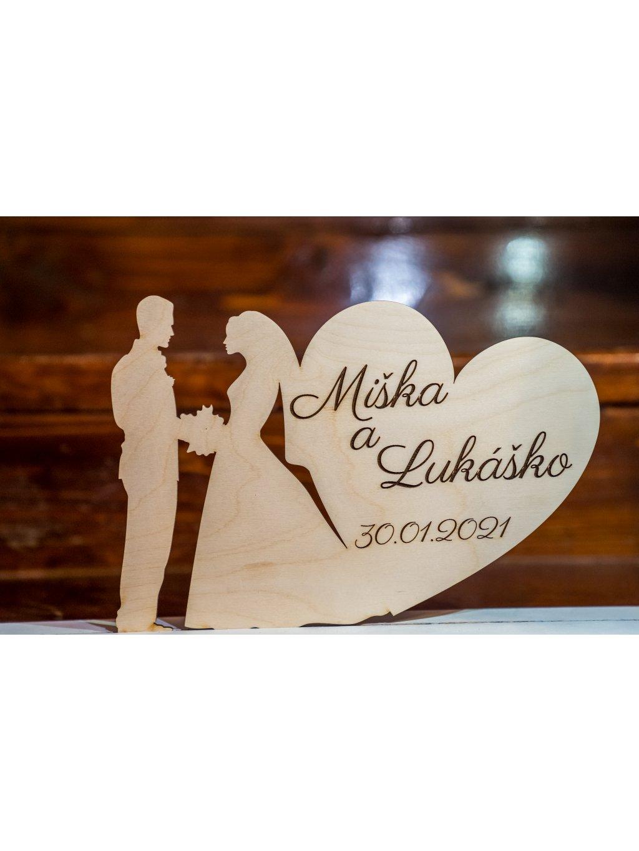 Drevený svadobný podstavec s menami 11