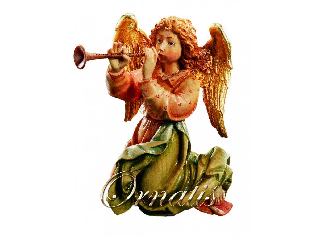 Dřevěná vyřezávaná socha Anděla