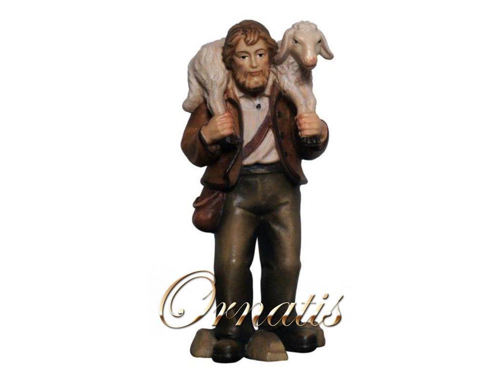pastýř s ovcí na ramenou