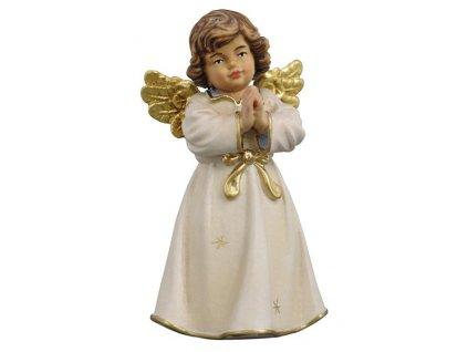 dřevěný vyřezávaný anděl v modlitbě malovaný prodej dřevěných soch