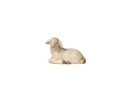 Dřevěná vyřezávaná soška ležící ovečky