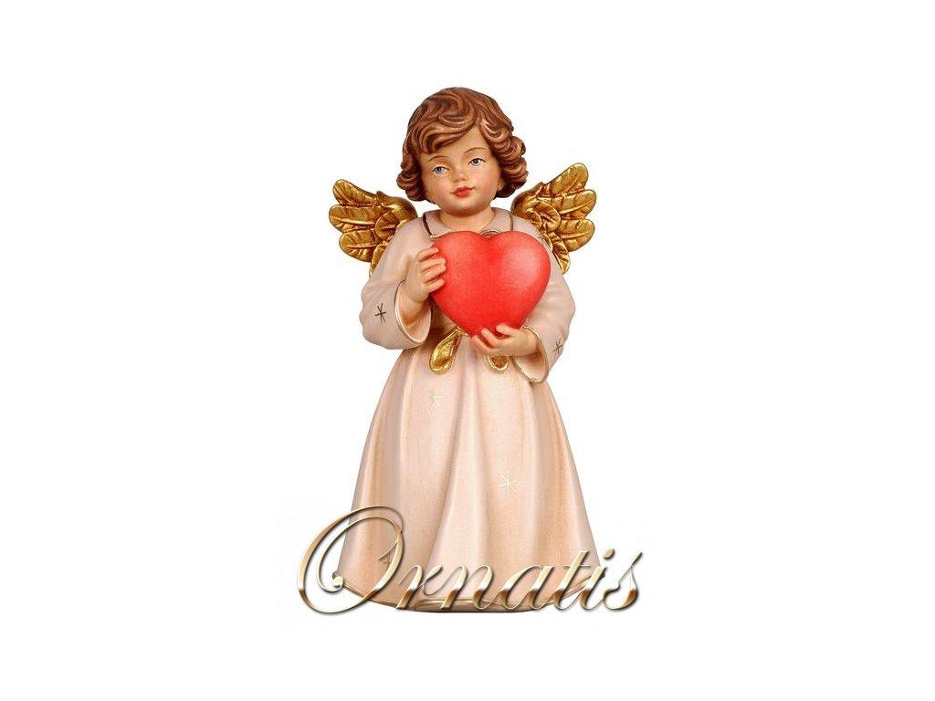 Drevený vyrezávaný anjel so srdcom