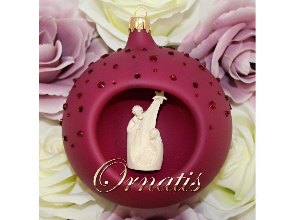 skleněná ručně malovaná vánoční ozdoba se soškou svaté rodiny s ježíškem