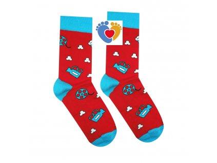 červene filmove ponozky