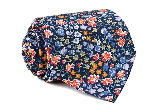 0051_modra-kravata-s-barevnymi-kvety-johan-min