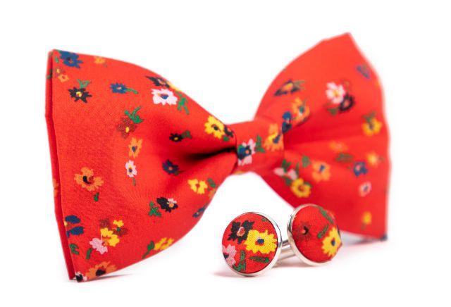0066_set-cerveneho-motylka-a-manzetovych-knofliku-s-kvety-ferdinand-min