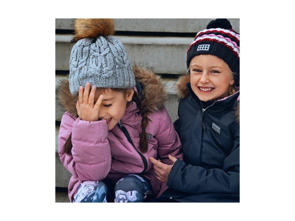 60822787c0 ... Kvalitní dětská zimní zateplená bunda s odnímatelnou kapucí a  reflexními prvky LEGO® Wear Jamila 709