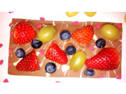 Ovocná čokoláda so srdiečkami