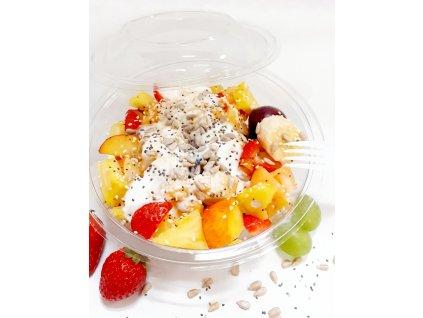 Ovocný šalát s medom, jogurtom a chia semienkami