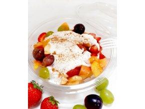Ovocný šalát s medom, jogurtom a škoricou