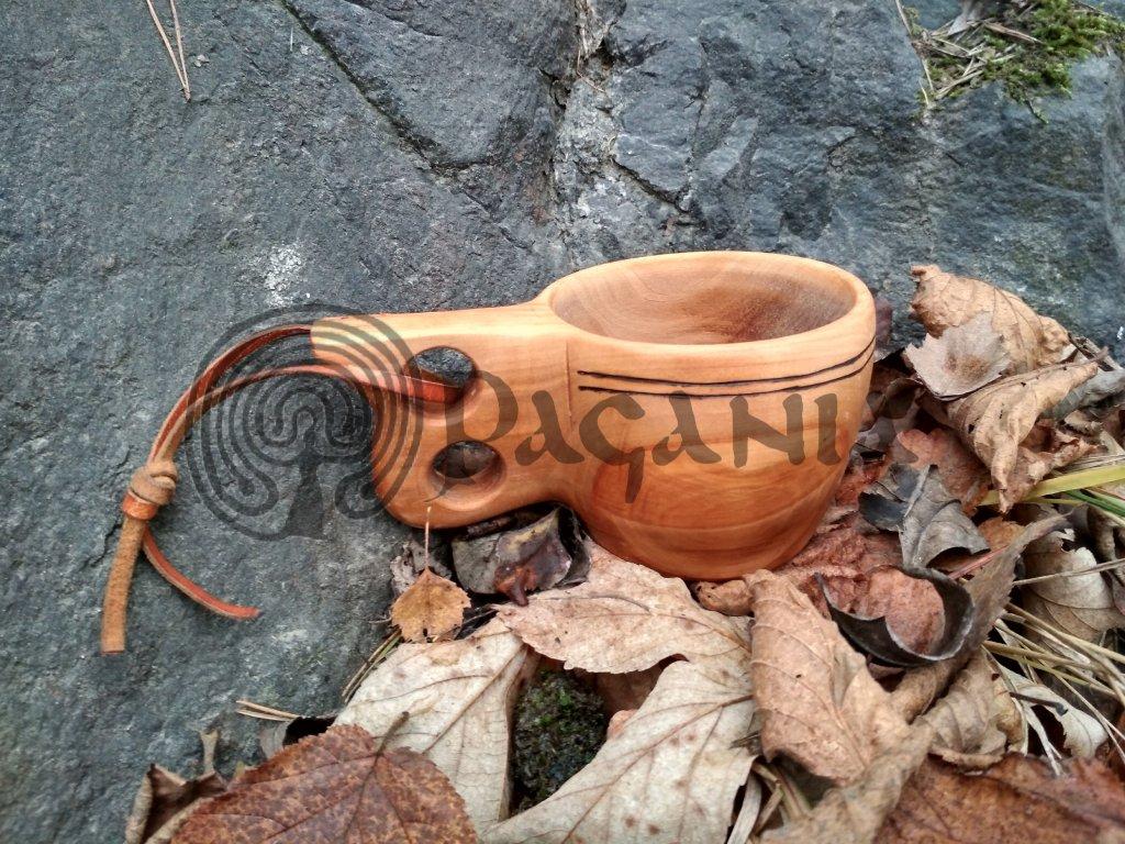 Dřevěná kuksa - vikingský hrnek.