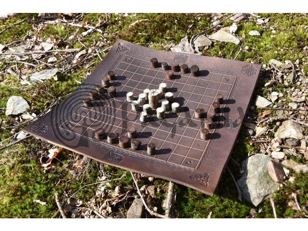 Vikingská desková hra Hneftafl (Hnefatafl) Wotan