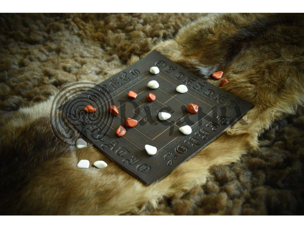 Středověká hra Mlýn / Nine man's Morris luxusní verze s jaspisy.