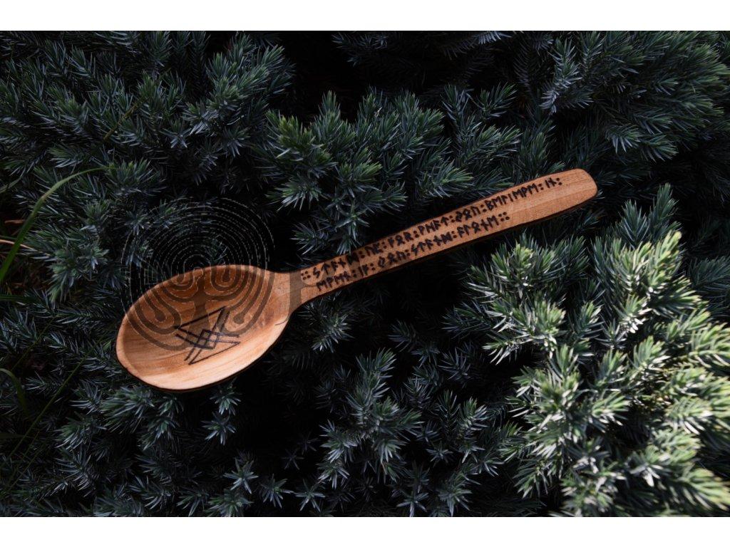 Vikingská dřevěná lžíce ručně zdobená germáni