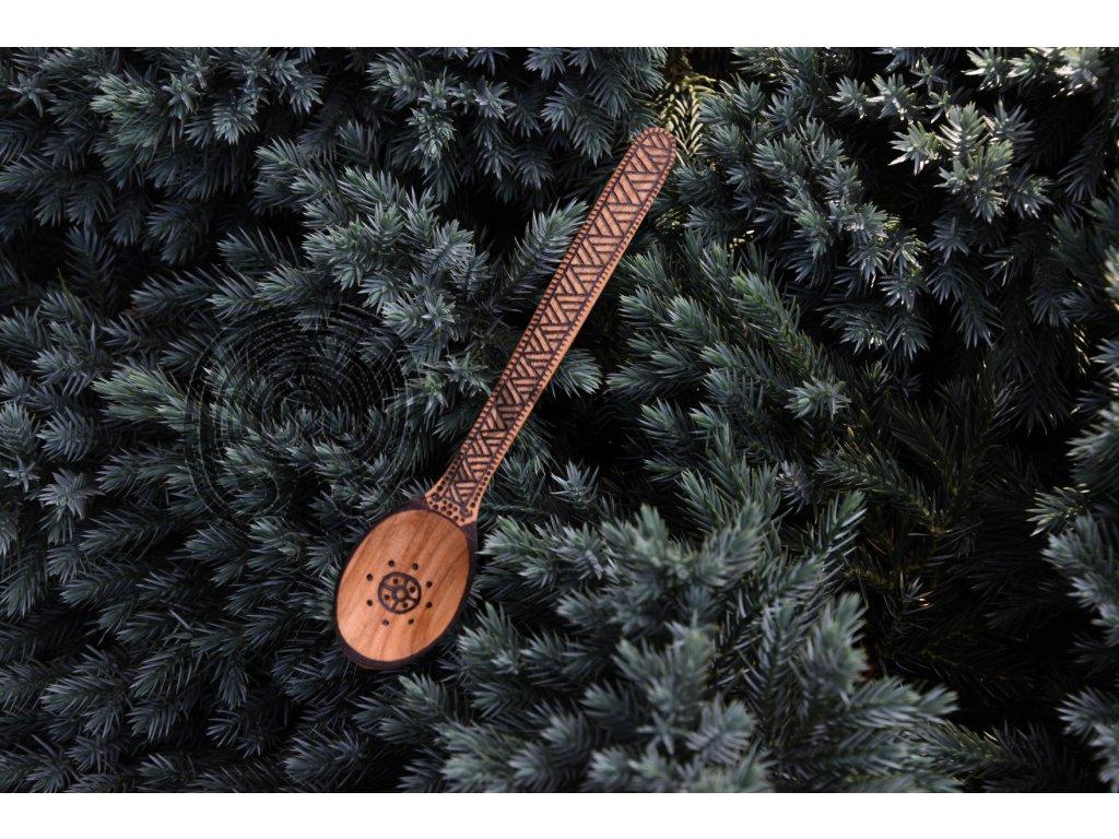 Vikingská dřevěná lžíce ručně zdobená Helgo symbol slunce