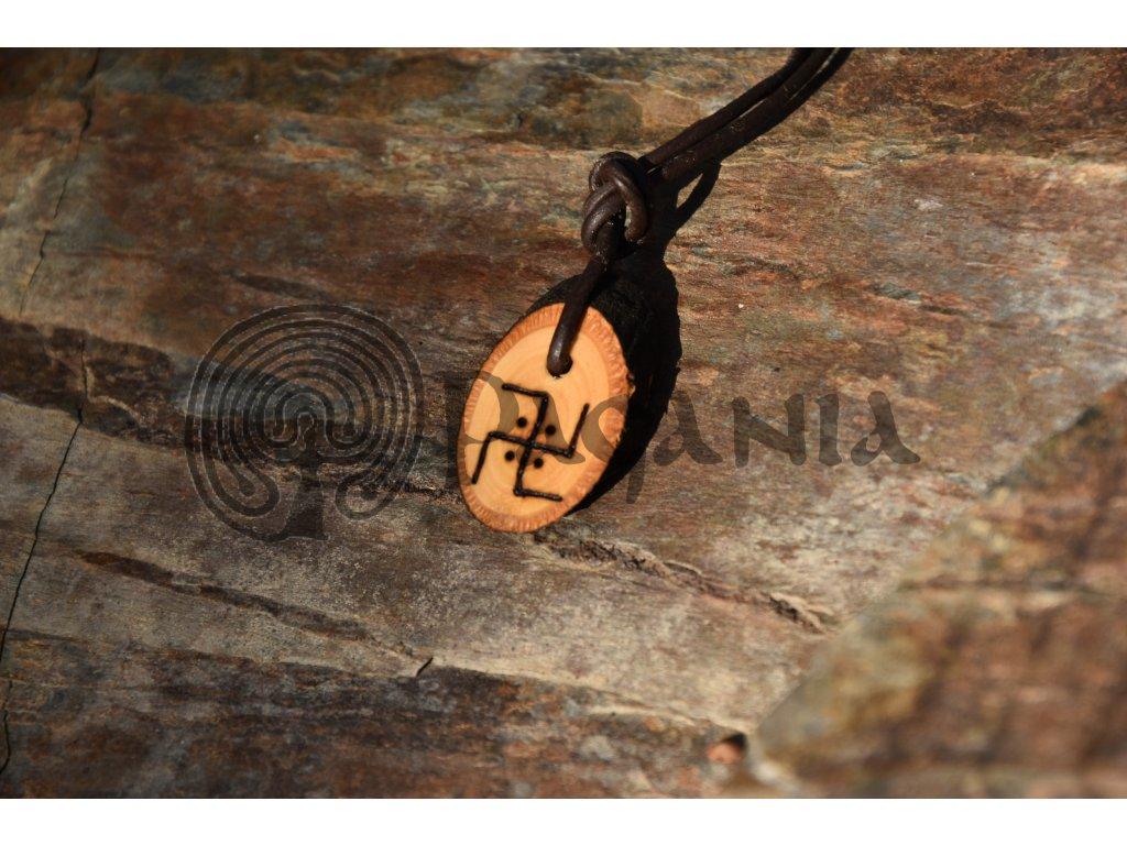 Vikingský dřevěný amulet sluneční svastika Sundeved