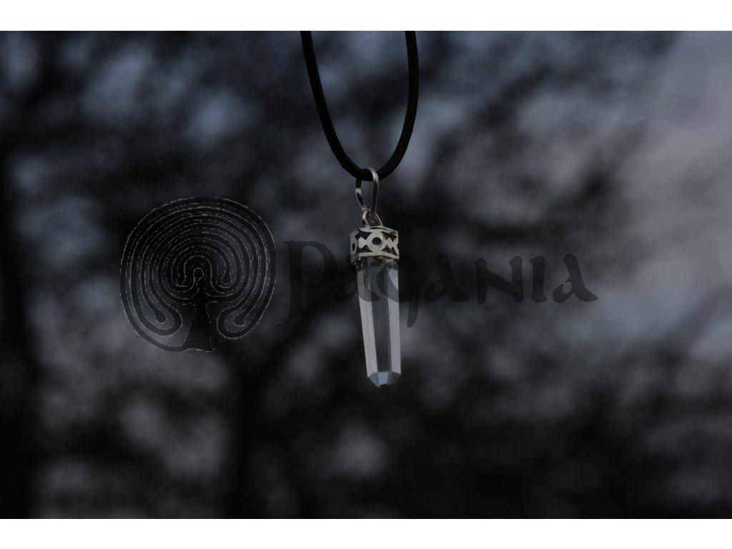 Přívěsek z křišťálu. Pohanský křišťálový amulet.