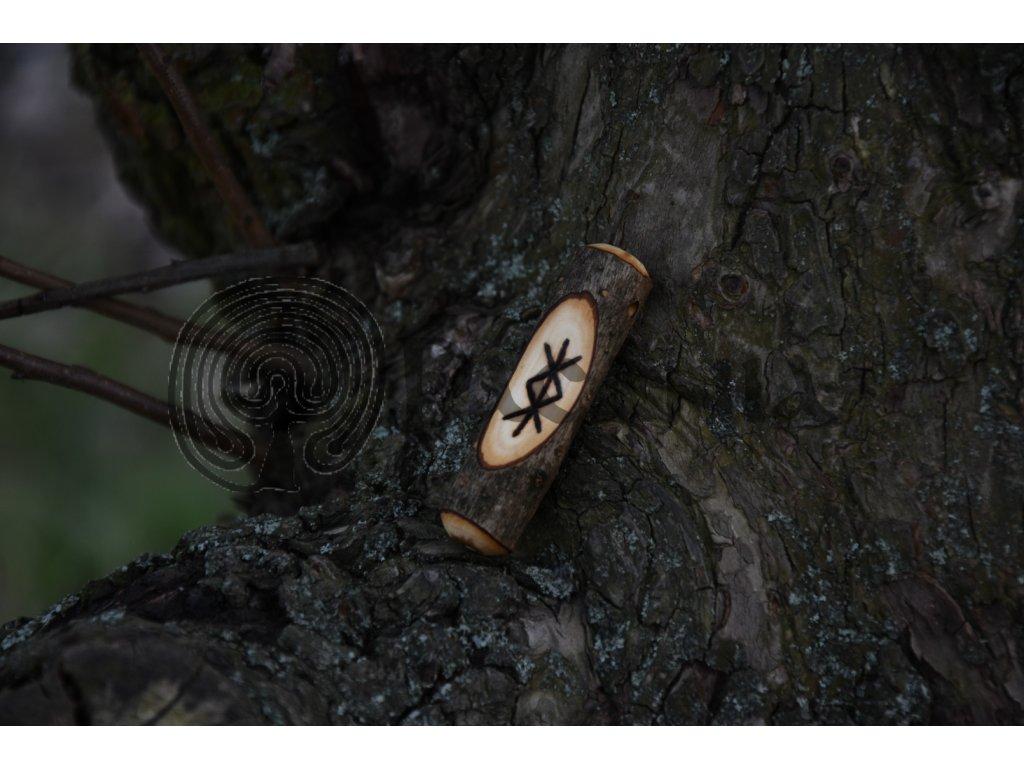 Vikingský amulet ze dřeva mladého dubu zdobený ručním výpalem se symbolem tzv. bind runes - vázaných runových znaků / sigilů. Určeno pro germány a vikingy. Použitelné pro období stěhování národů.  Význam: ochrana a bezpečí