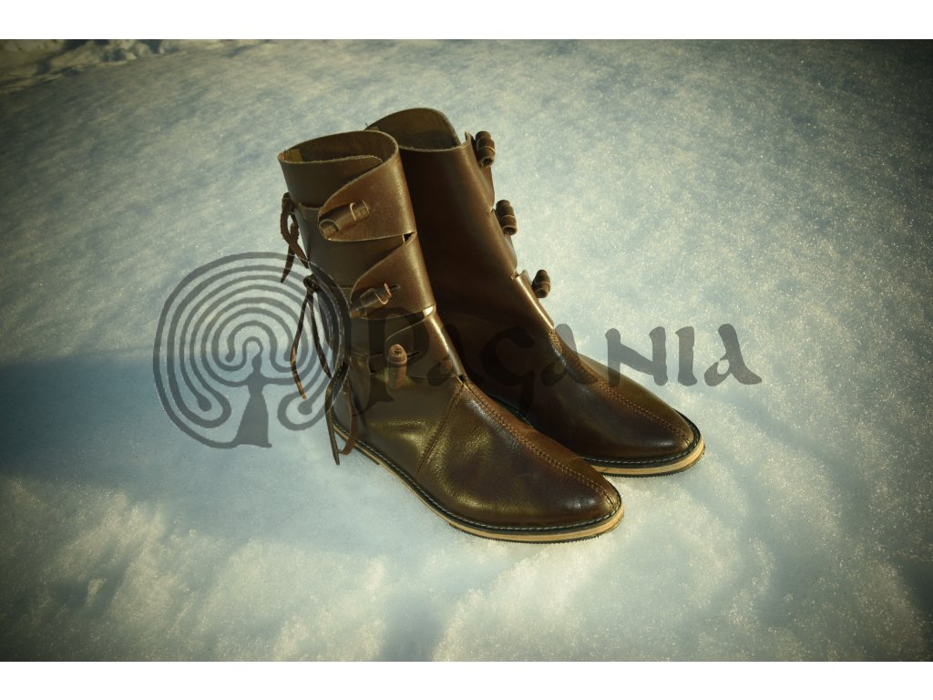Vysoké kožené boty pro vikingy a germány. 0311b1007e