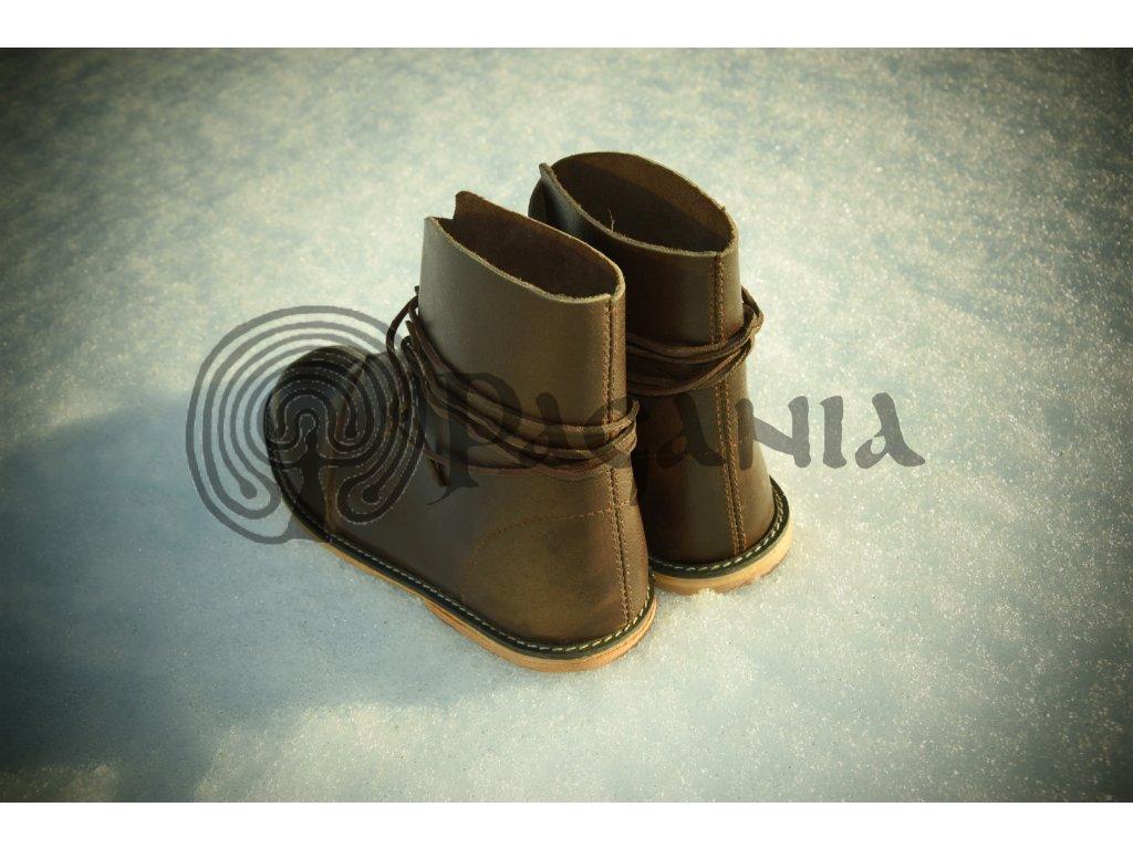 Historické kožené boty pro kelty. 99aef3fb76