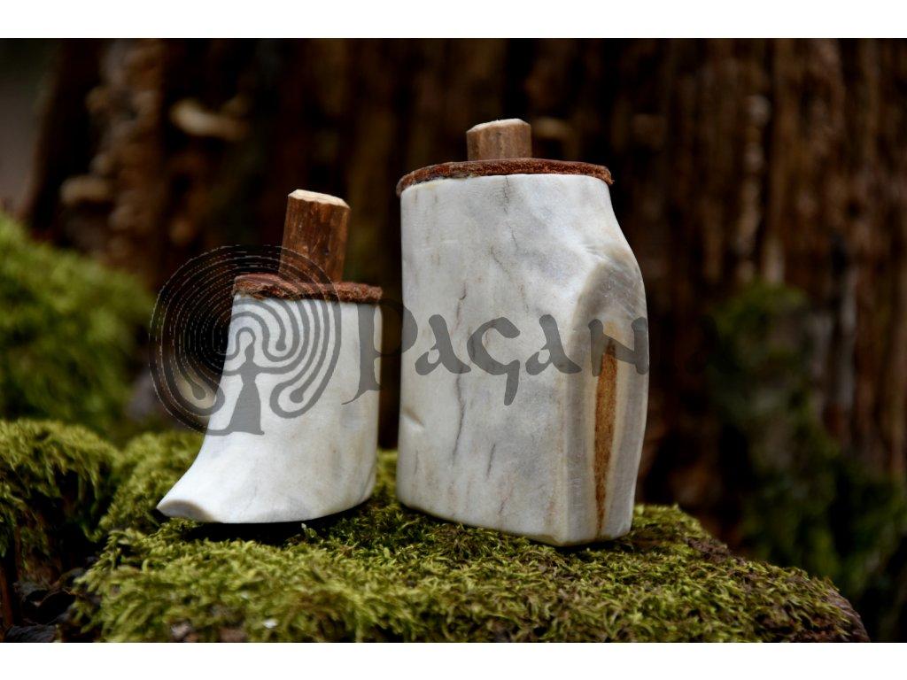 Vikingská slánka nádoba na sůl sobí paroh středověk Skandinávie