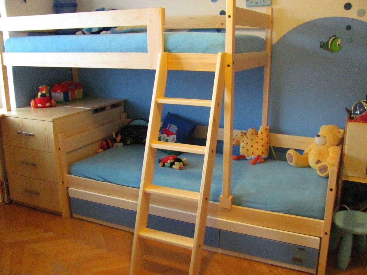 Patrové postele se schody