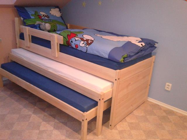 3-lůžková postel (trojpostel) aneb postel s dvěma přistýlkama ušetří spoustu místa