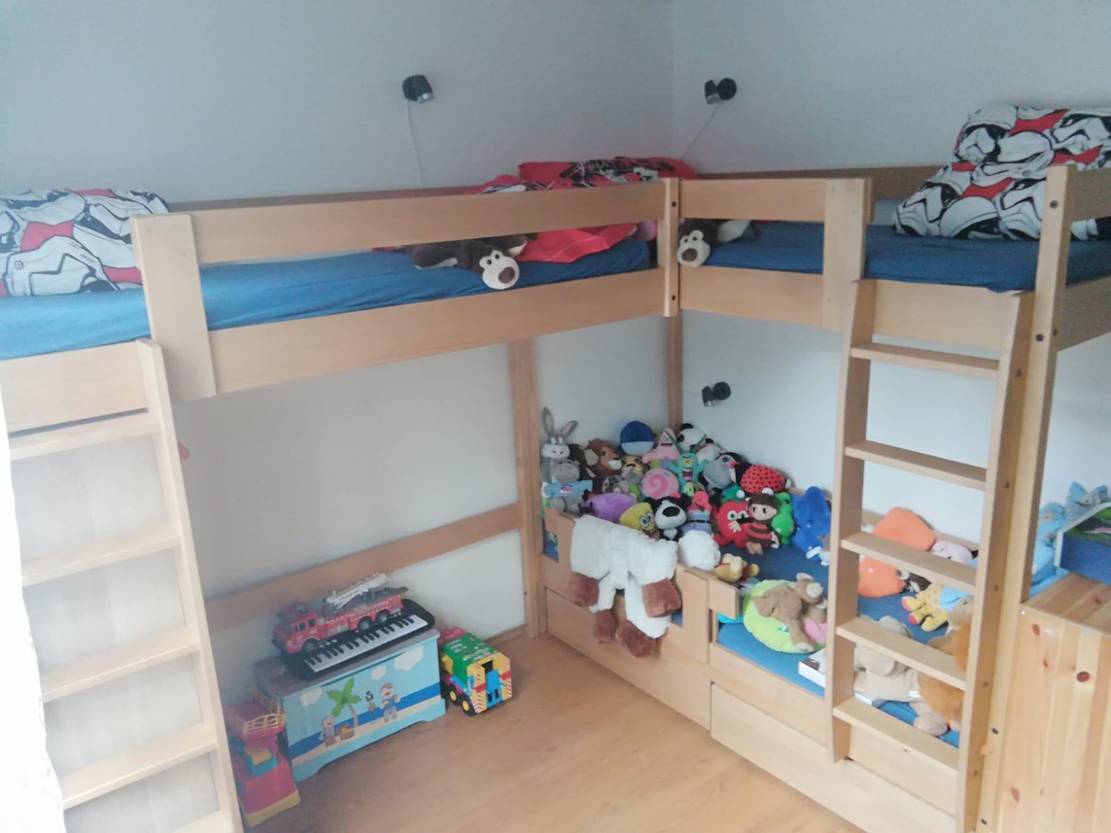 Jak uložit tři děti v jednom pokoji?