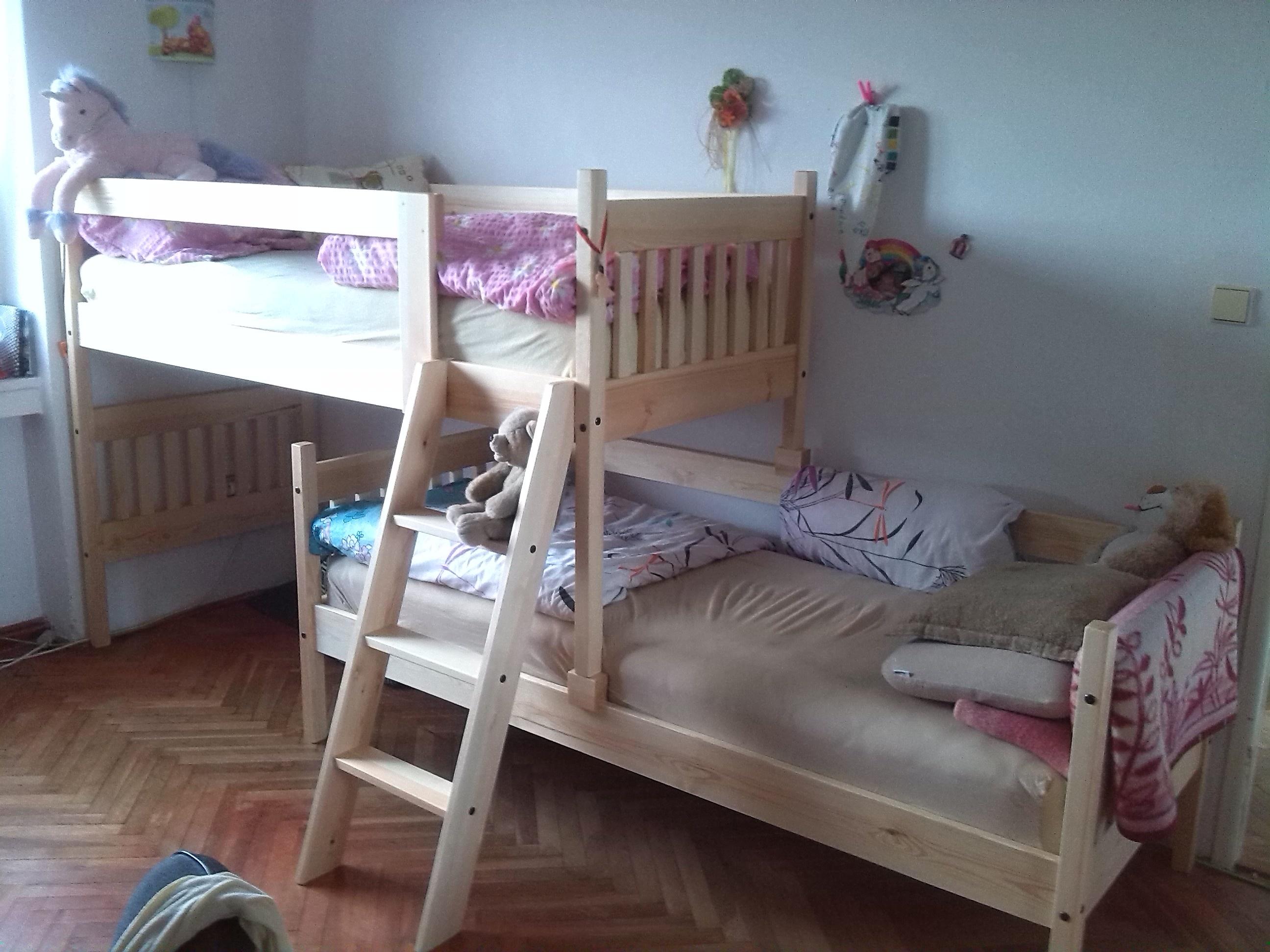 atypická posuvná patrová postel Albert