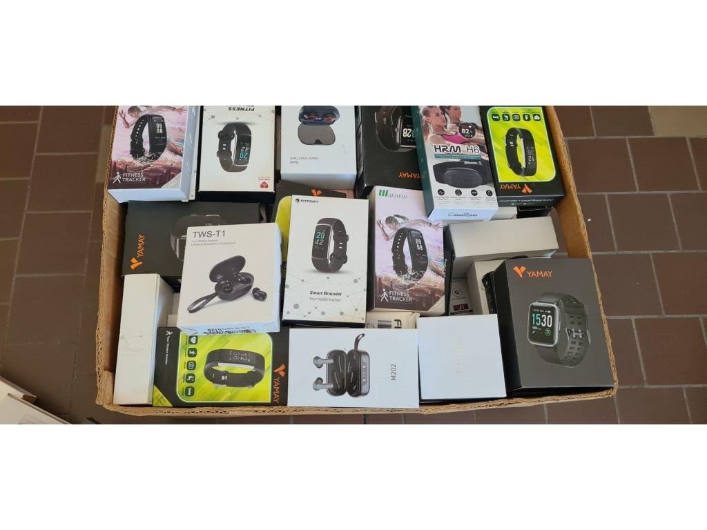 Mix A - chytré hodinky, náramky, bezdrátová sluchátka, 100ks, hodnota zboží ~ 60 000,-Kč
