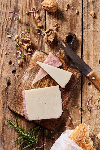 Kozí sýr na červeném víně 250g
