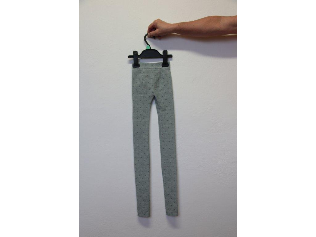 Kalhoty šedé