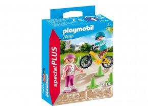 Playmobil 70061 Děti s kolečkovými bruslemi a kolem