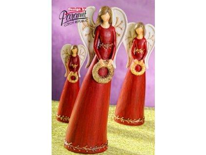 Anděl s věnečkem červený 26 cm