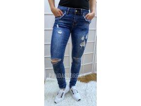 Trhané jeansy