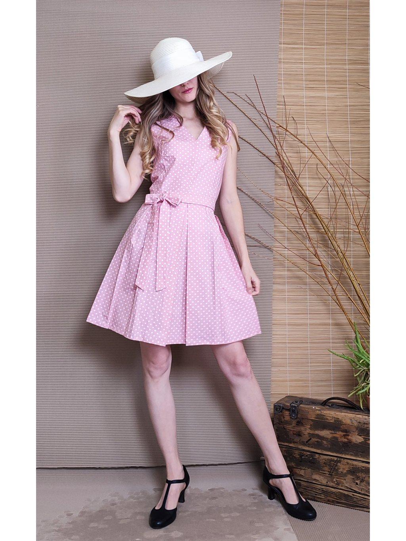 Krátké šaty růžové s puntíkem