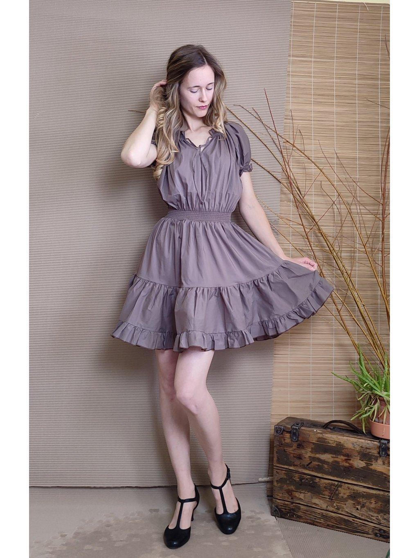 Krátké šaty světle hnědé s dvojitým kanýrkem