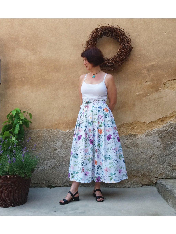 Dlouhá sukně - akvarelová louka