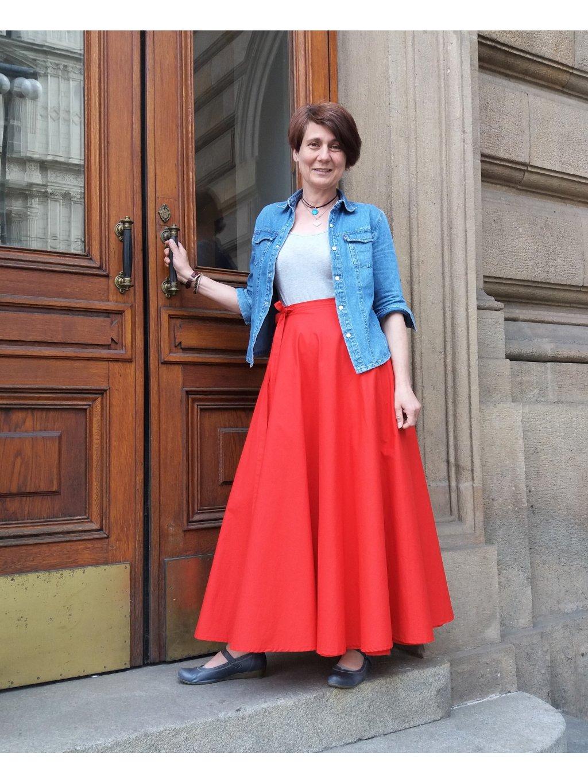 Kolová sukně červená