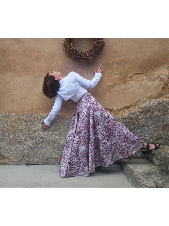 Kolová sukně vínové ornamenty